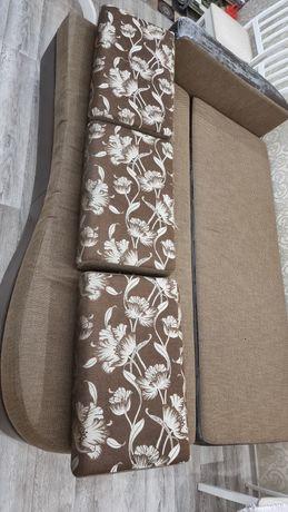 Срочна диван с яшиками
