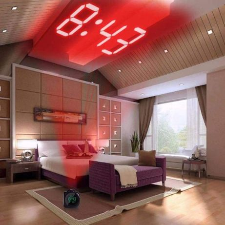 Страхотен дигитален LCD часовник и термометър с холограмна прожекция