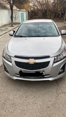 Продам машину Chevrolet Cruze.