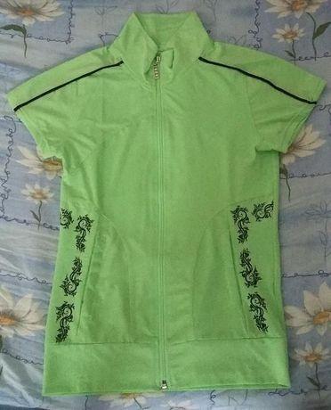 Зелено горнище/ блуза с къс ръкав с цип