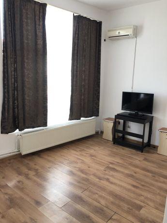Inchiriez apartament nou 2 camere zona 8 mai