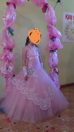 Продам платье на 5-9лет подойдёт на выпускной