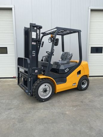 Motostivuitor / Stivuitor Diesel NOU 3,5T Garantie 3 ani + service!