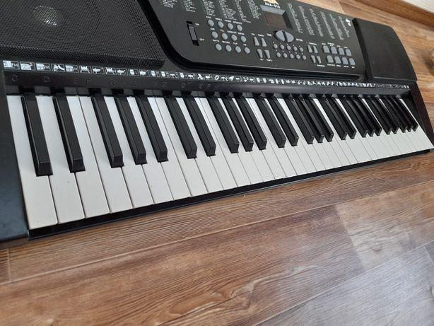 Продам синтезатор AVA 618 в отличном состоянии