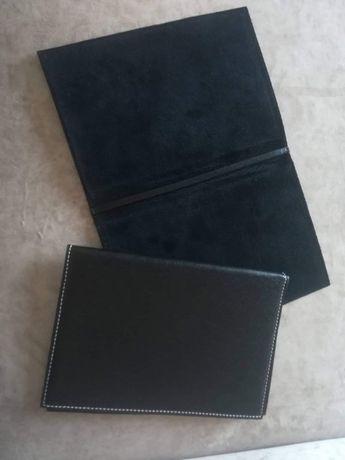 Кожени калъфи за портмоне, тефтери