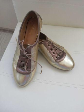 Обувки от естествена кожа фирма Bianki