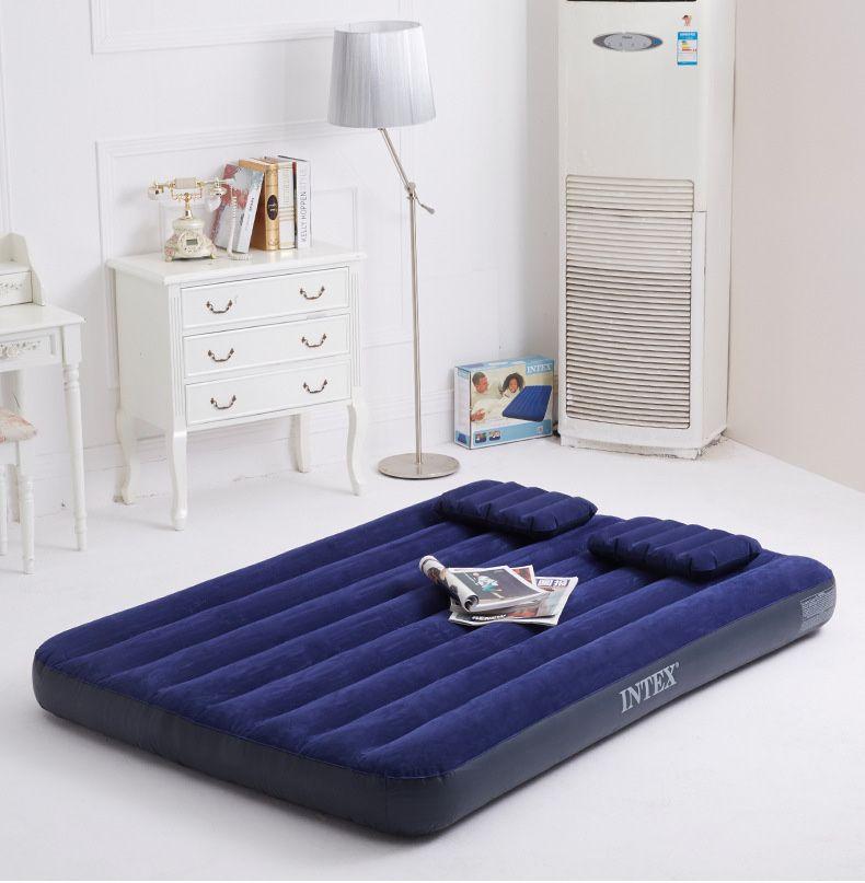 Надувной матрас двуспальный. Насос, 2 подушки. Доставка бесплатная.