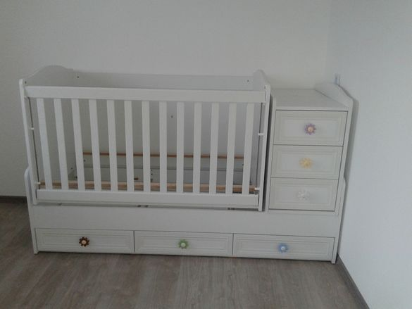 Детска бебешка кошара легло повивалник трансформиращо се легло-люлка