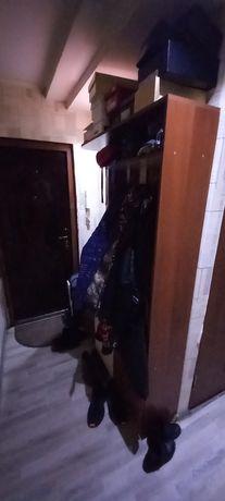 Шкаф в прихожую продам