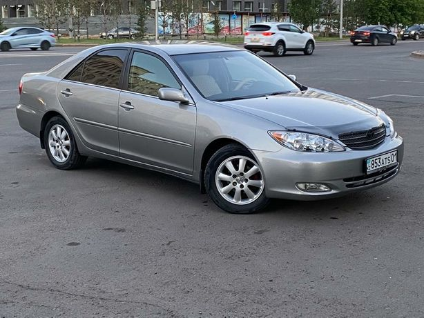 Toyota Camry 35, LE
