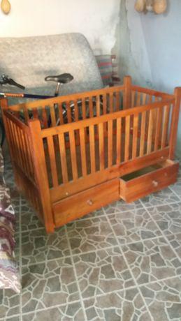 Patuț copil din lemn