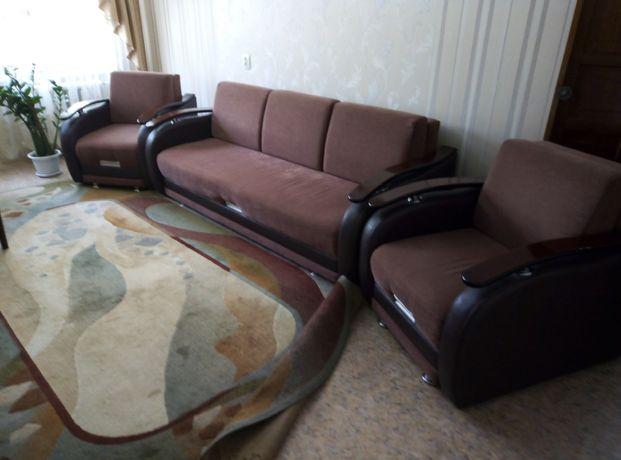 Продам диван с двумя креслами в отличном состоянии!