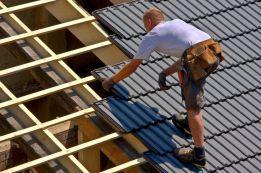Reparatii acoperisuri - mansardari case - montaj tabla acoperis tigla