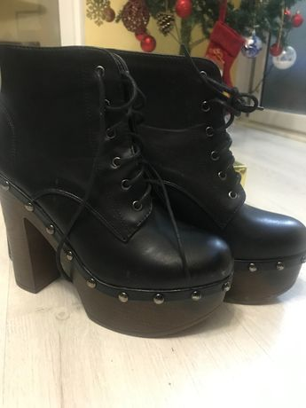 Дамски обувки - боти на ток