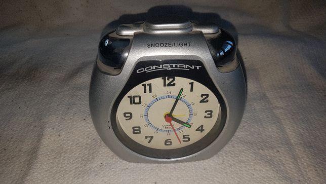 Ceas de masă rar ,Constant, vintage cu alarmă alimentat cu 2 baterii