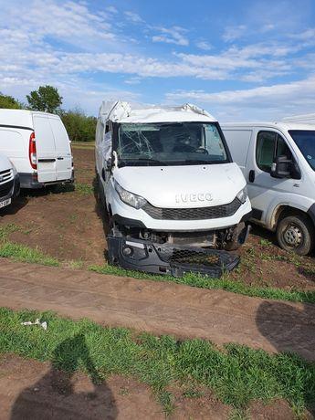 Dezmembrez Iveco daily 2015 motor 2.3 euro 5 6 cutie  usi kit volan