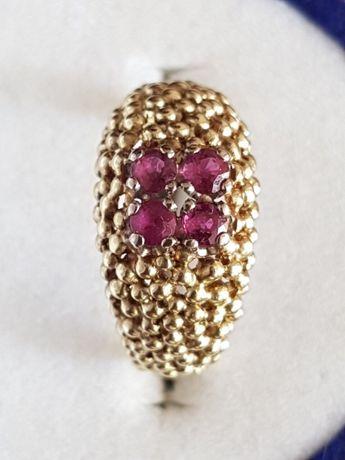 Златен пръстен с естествени рубини