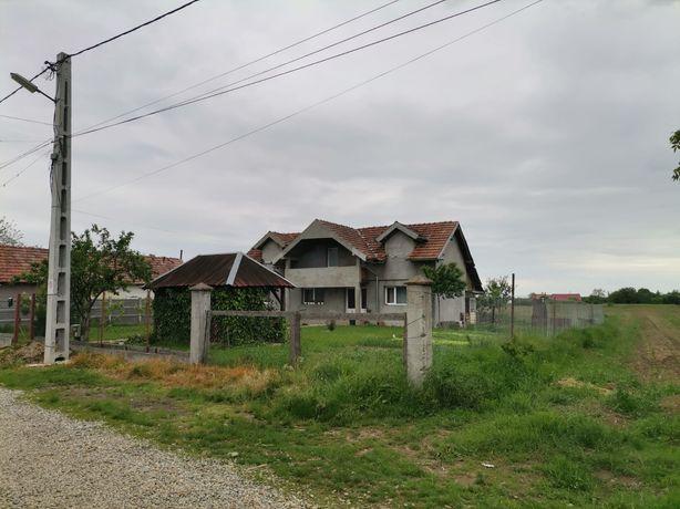 Casa de vânzare Leș