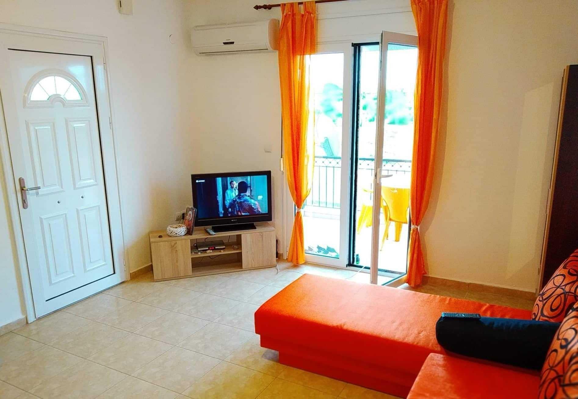 Апартамент ,,Летни моменти,, с две спални в Паралия Офринио