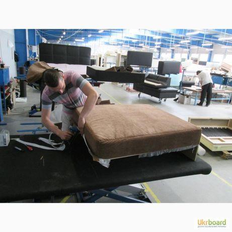 Перетяжка мягкой мебели. Реставрация обивка диван. Перетяжка дивана.