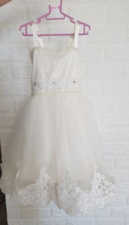 Платье для девочки на 4г. 8000 тыс.
