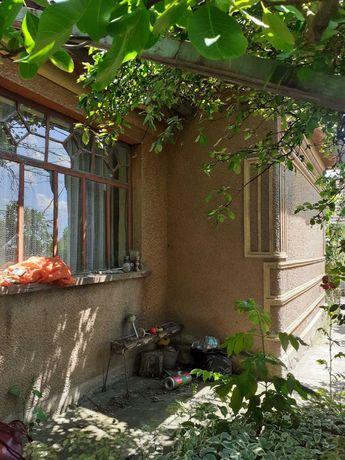 Vand casa in Domanesti