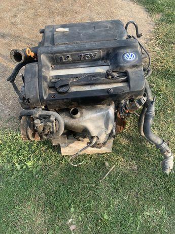 Dezmembrez motor golf 4 1.4 16v 2002