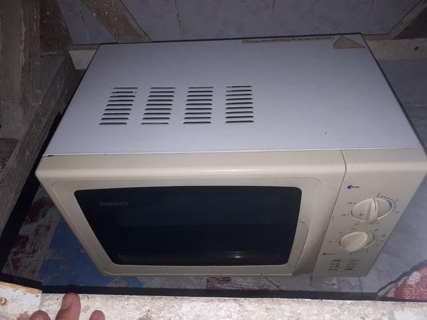 Срочно продам микроволновой печь