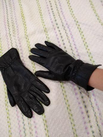 Продам перчатки кожаные
