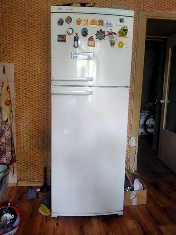 Продам Холодильник BOSCH. Б/у. В хорошем состоянии.