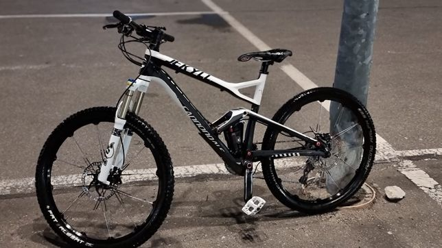 Bicicleta Cannondale Jekyll carbon