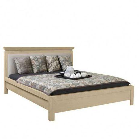 Vand mobila de calitate pentru dormitor pat noptiere comoda Naturlich