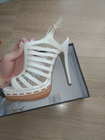 Босоножки обувь