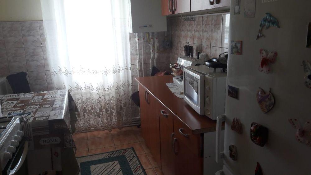 Vand apartament 2 camere, 50m², decomandat Calarasi - imagine 1