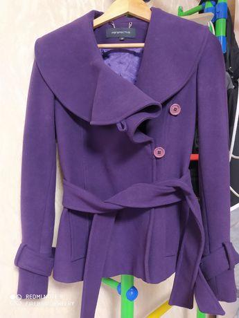 Продам кашемировое короткое пальто в отличном состоянии