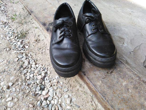 Продам спец ботинки летние размер 43-44