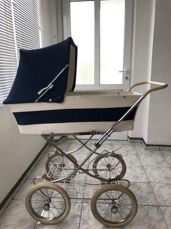 Ретро детска количка
