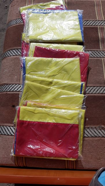 Vând Steaguri tricolore
