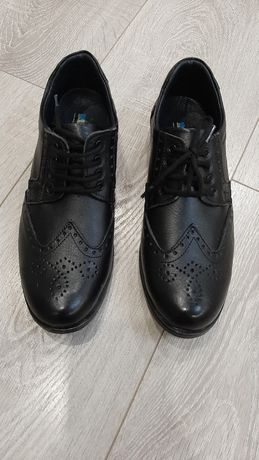 Туфли кожаные для мальчика. НОВЫЕ!