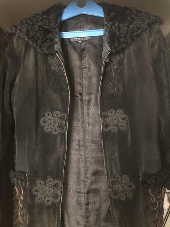 Продам замшевую куртку