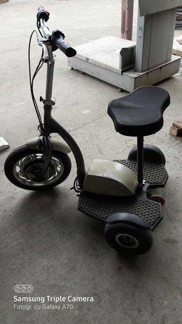 Tricicleta electrica in stare buna