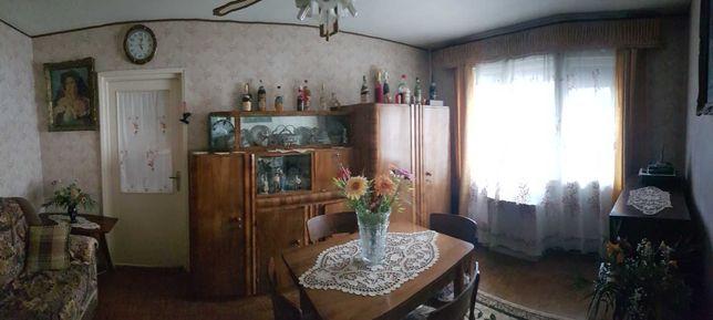 Apartament de vanzare  2 camere zona I. Slavici
