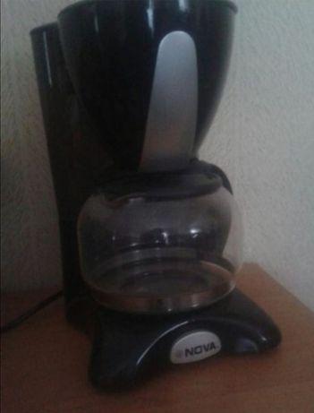 Продам кофеварку Nova