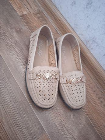 Мокасины кроссовки в отличном состоянии. Хорошего качества 36 размер.