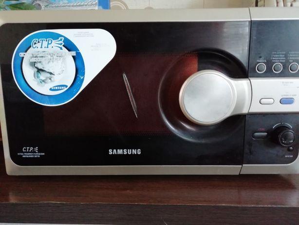 Продам микроволновку Samsung.