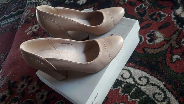 Туфли размеров 36