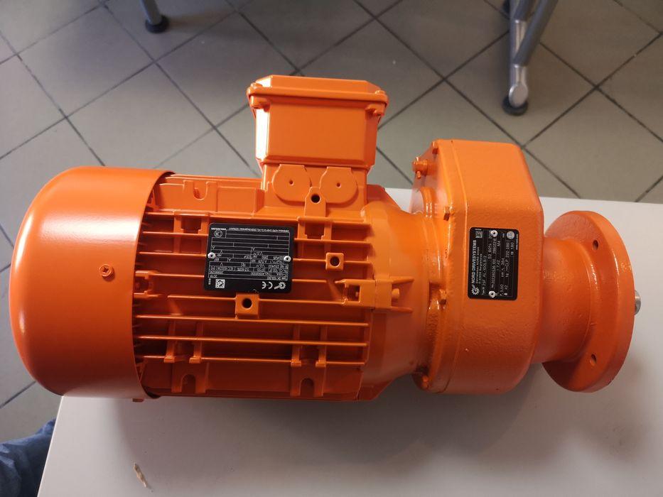 Motor-reductor pt Masina de tencuit Sibiu - imagine 1