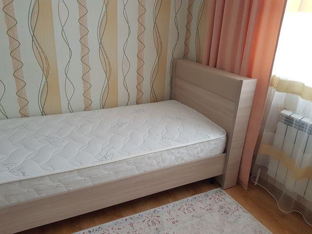 Кровать,односпальная