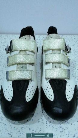 Pantofi carbon ciclism