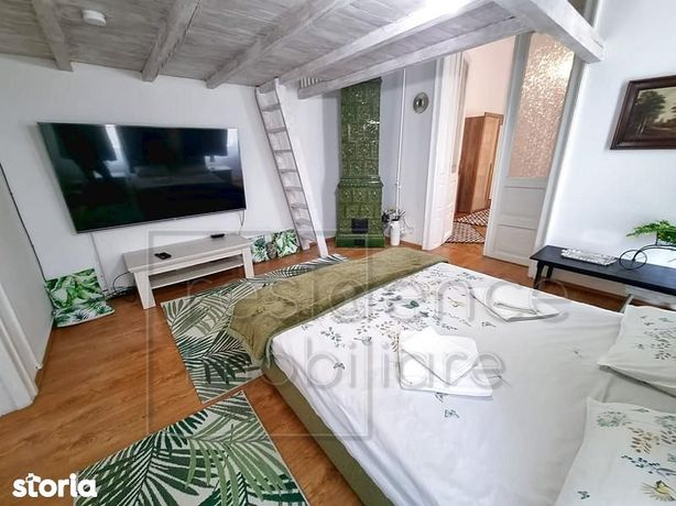 Apartament 3 camere+nisa, Ultracentral, strada Eroilor